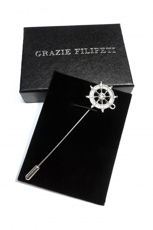 Pin marca Grazie Filipeti cu cristale sub forma de timona